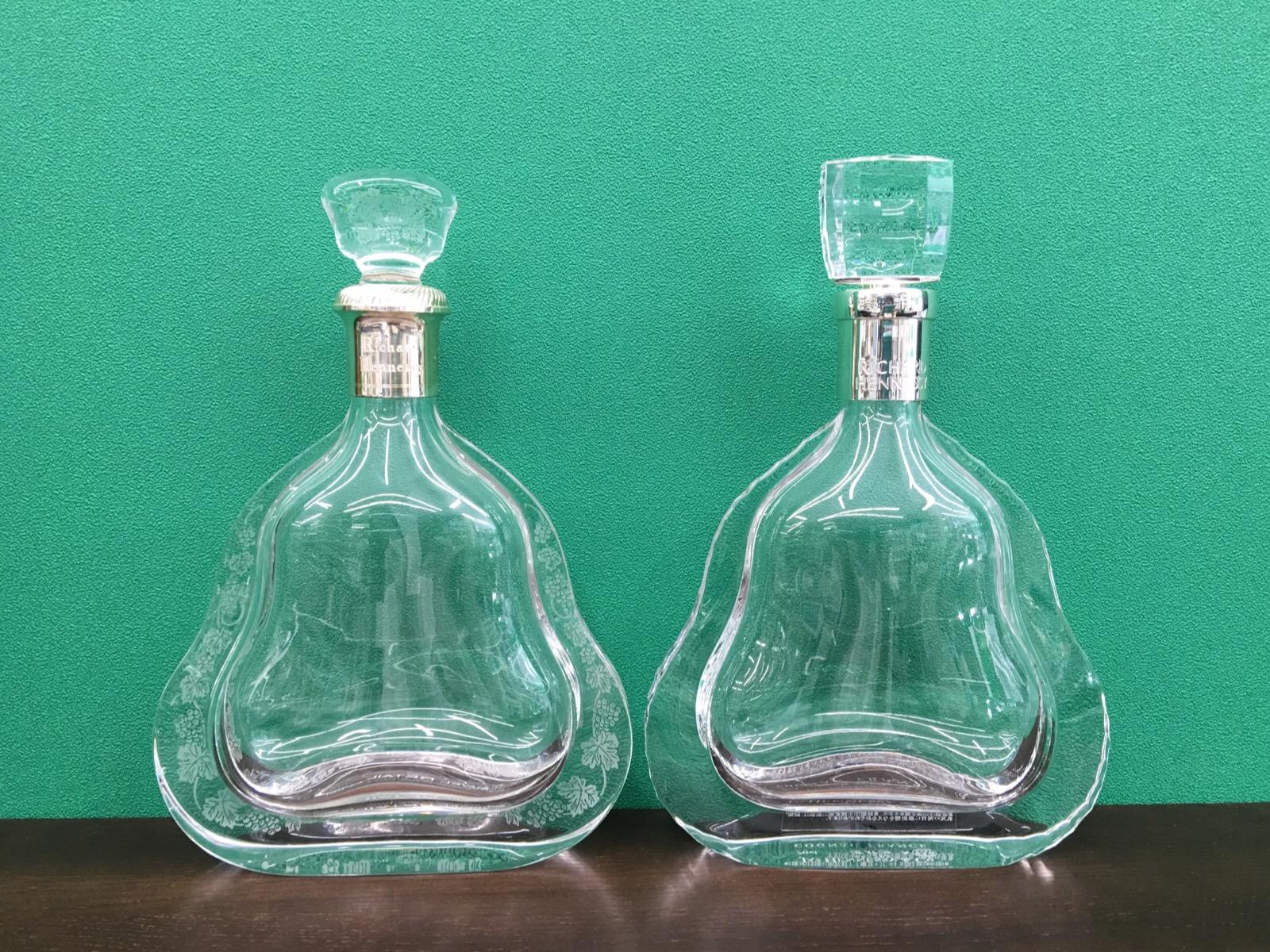 ヘネシー リシャール 新・旧の空ボトル